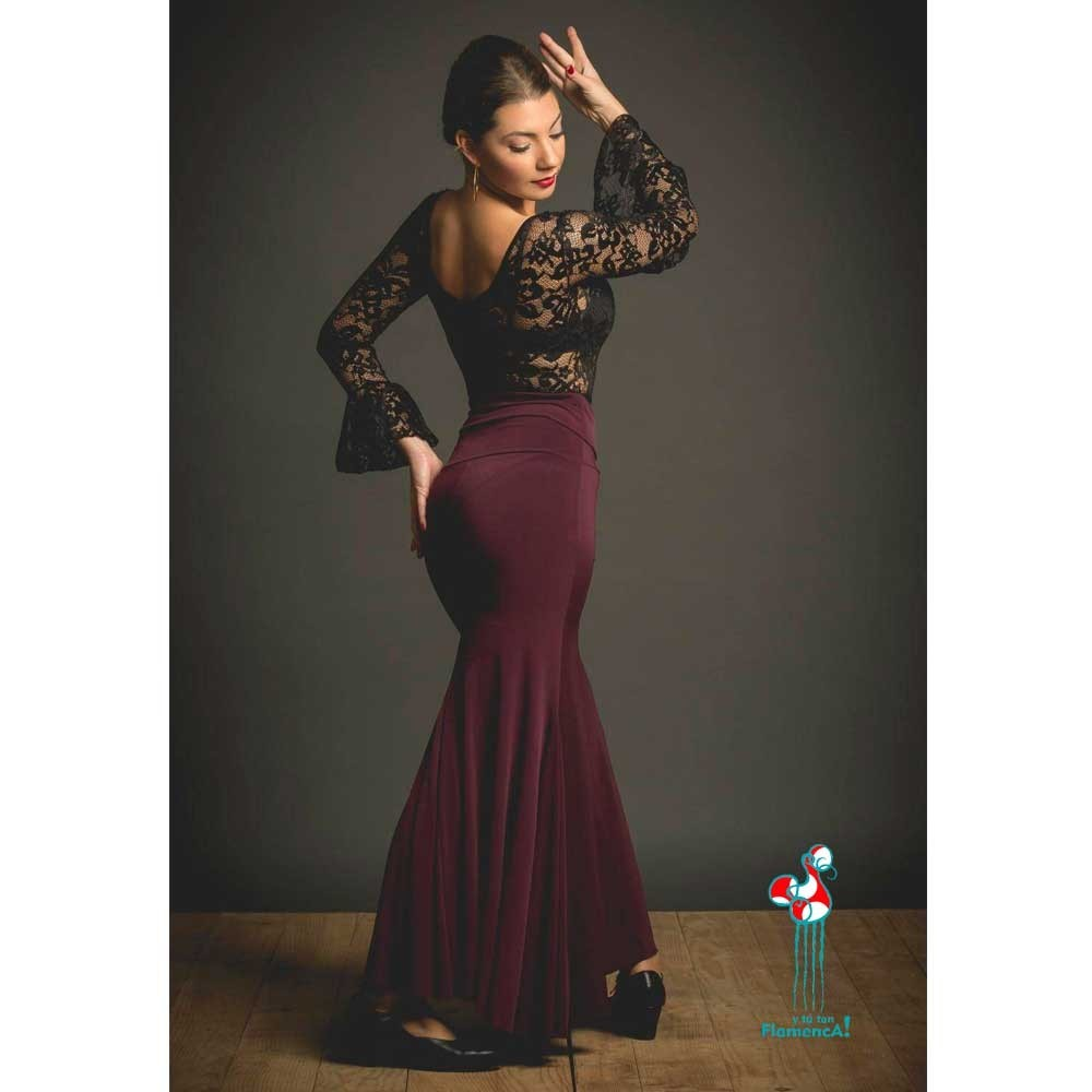 Falda flamenca de baile flamenco de uso profesional y ensayo. Modelo Mirabel morada