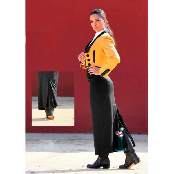 Conjunto chaqueta paseo albero y falda negra